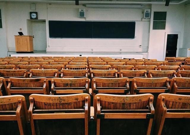 带你用python解读高考数据:全国哪里的高校最多?什么专业最热门?